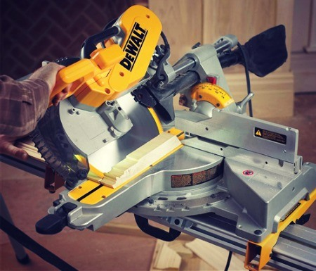 Double Bevel Sliding Compound Miter Saw